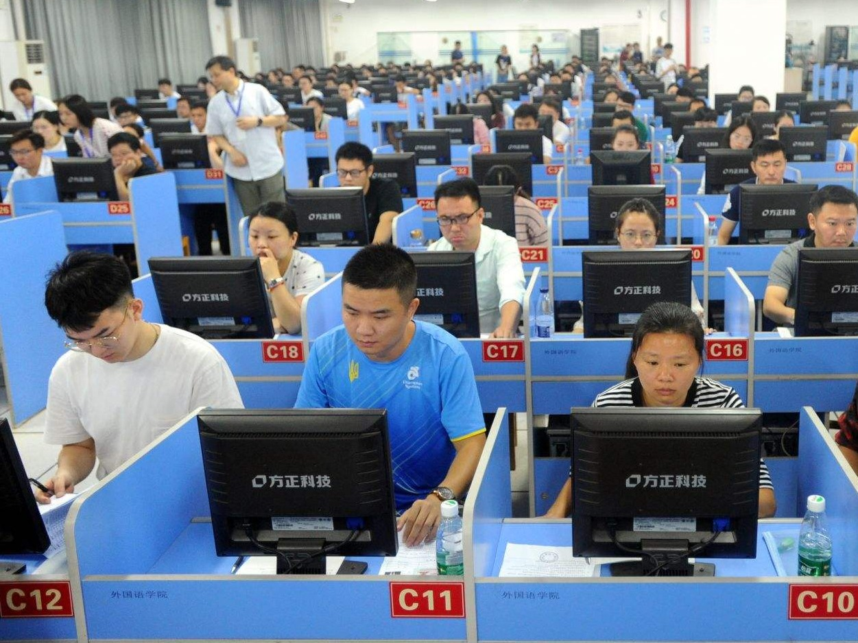 YIPI customize computer privacy screen for examination room