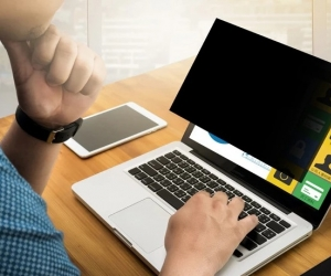 What is a laptop privacy screen? Why do you need it?